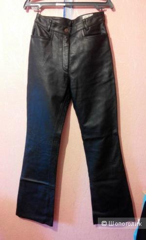 Кожаные( 100% кожа) брюки с завышенной талией 44-46