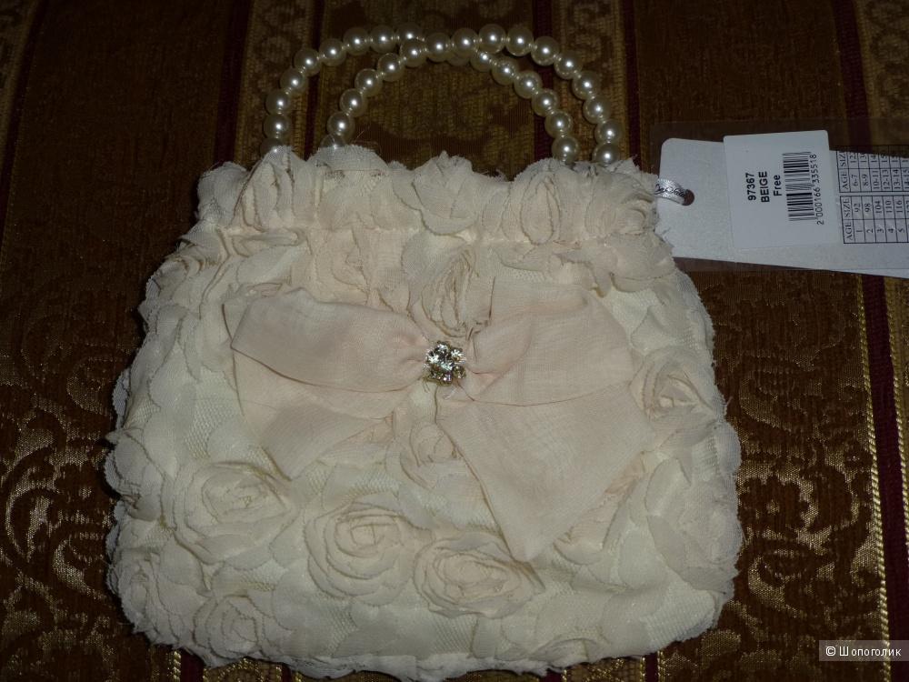 Новая сумочка кремового цвета для маленькой модницы