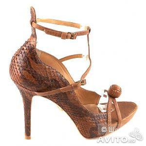Брендовые туфли L.A.M.B. из змеи р.38