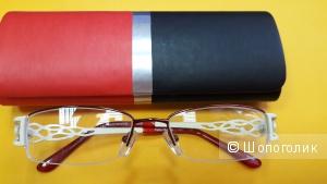 Fabia Monti: очки для зрения на -2.5 и фирменный чехол в тон