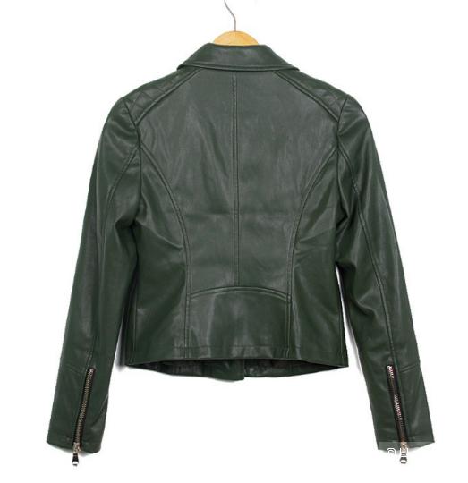 Куртка новая, очень мягкий кожзам