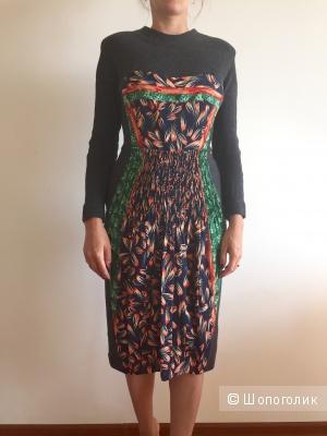 Платье трикотажное из тонкой шерсти