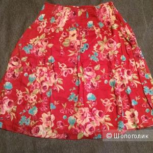 Пристрою midi юбку с интересным принтом