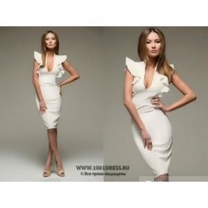 Молочное платье-футляр с воланами на плечиках , разм. XS.