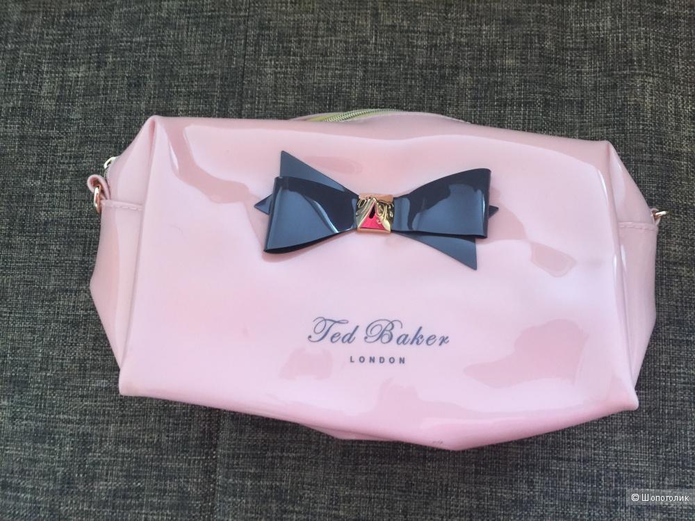 Клатч фирмы Ted Baker, качественная копия.