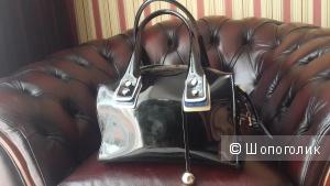 Красивая новая сумка из натуральной лакированной кожи P&E