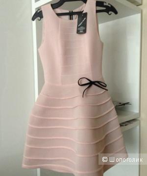 Нежное платье из неопрена 42-44