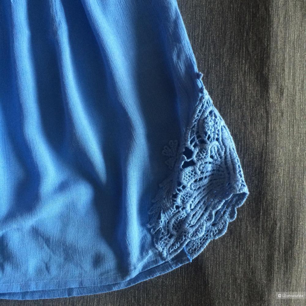 Пристрою новое платье next с кружевными вставками