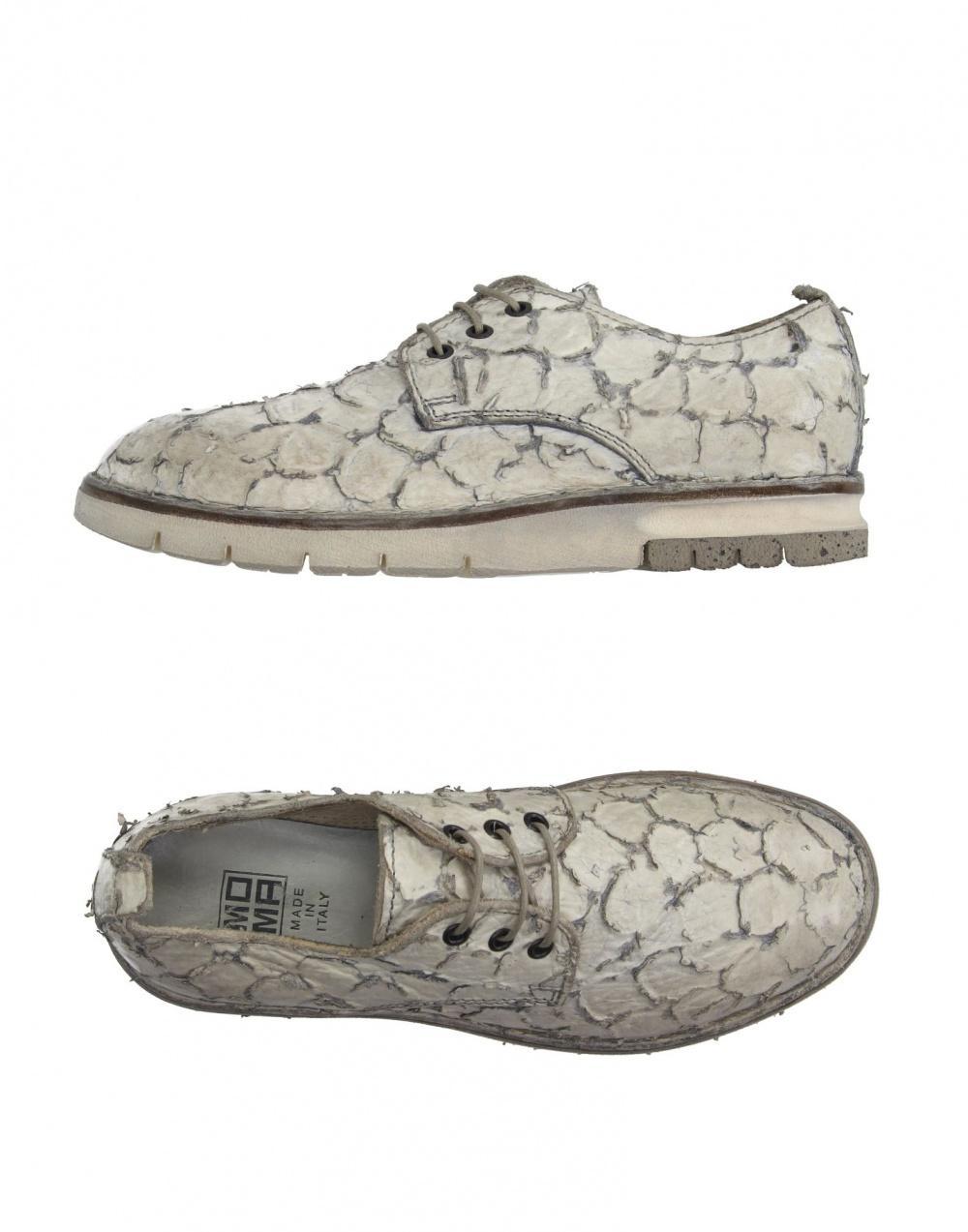 Обувь на шнуровке MOMA.