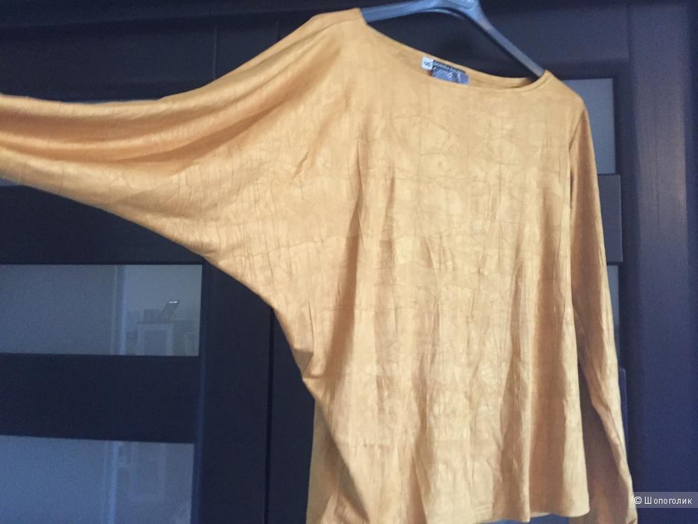 """Блуза московской дизайнерской фирмы """"Donna Saggia"""",размер L,идет на 46-48."""