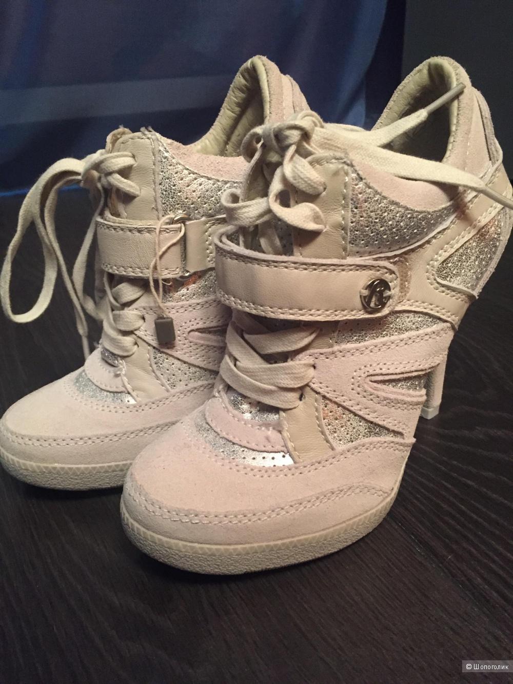 Спортивного стиля ботиночки на каблуке Repley 35 размер
