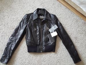 Продаю куртку новую Just Cavalli(бренд Roberto Cavalli) размер российский 42-44,итальянский  40.