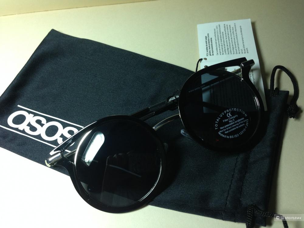 Круглые солнцезащитные очки в металлической оправе