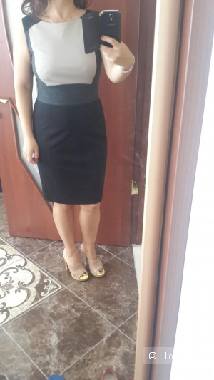 Прекрасное платье колорблок Tahari