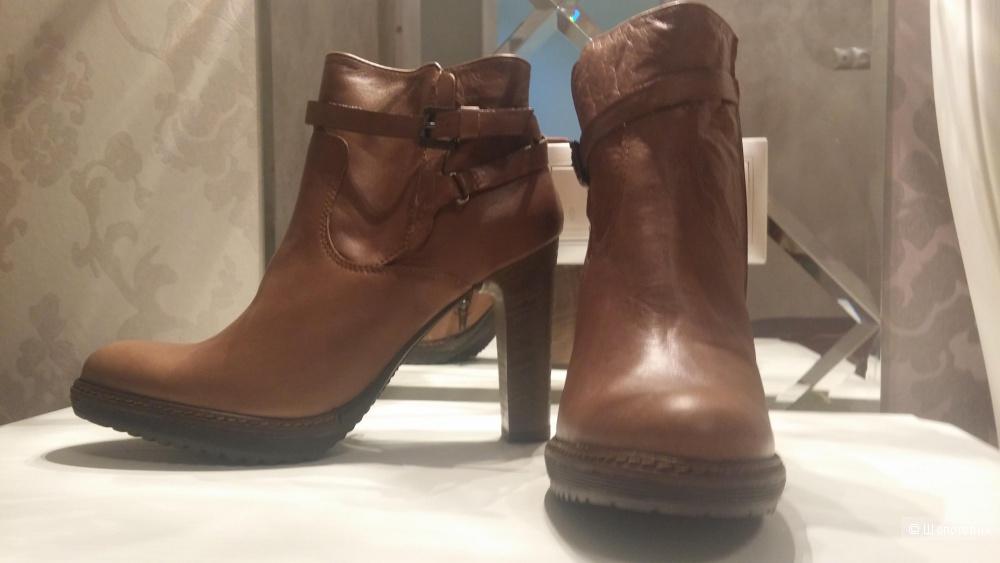 Новые ботинки MANAS,  ИТАЛИЯ, размер 38