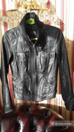 Куртка из натуральной кожи черного цвета Bershka размер М