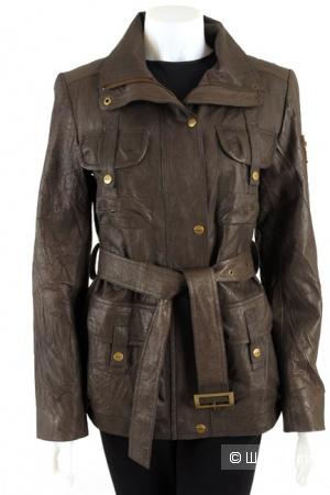 Женская куртка DKNY.