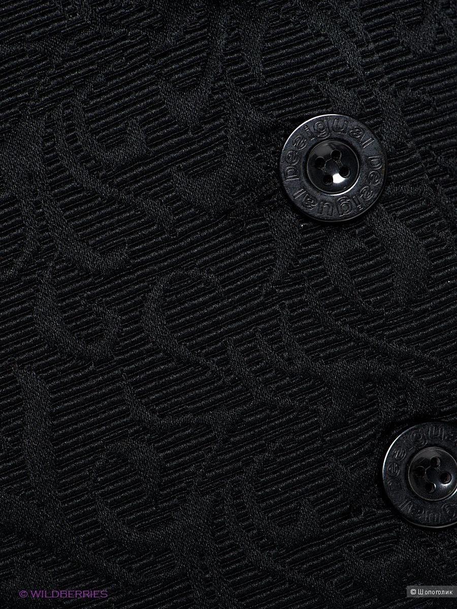 Пальто из жаккардовой ткани известной испанской марки Desigual, размер 42-44 российский