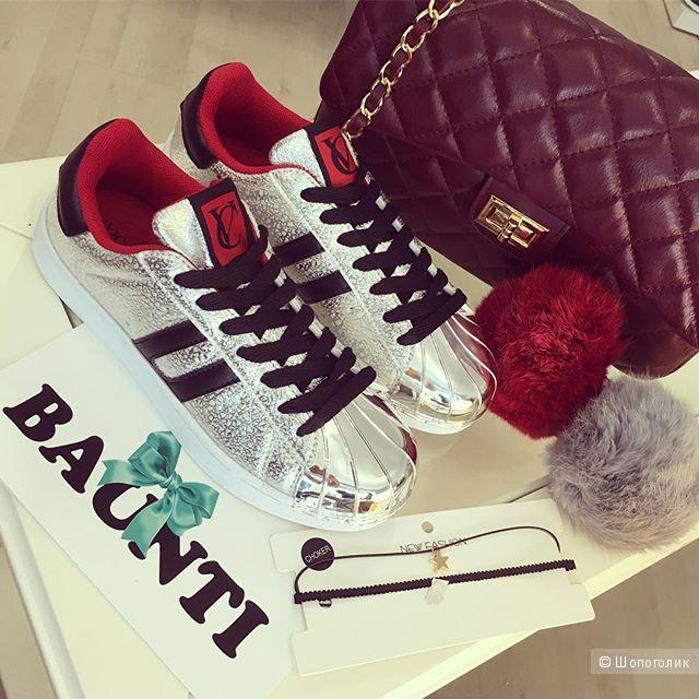 Кроссовки серебристые, на ногу 24,5-25 см, бренд Vices