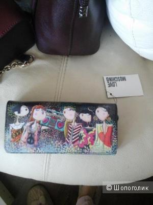 Замечательный кошелек фирмы love moschino,новый,оригинал