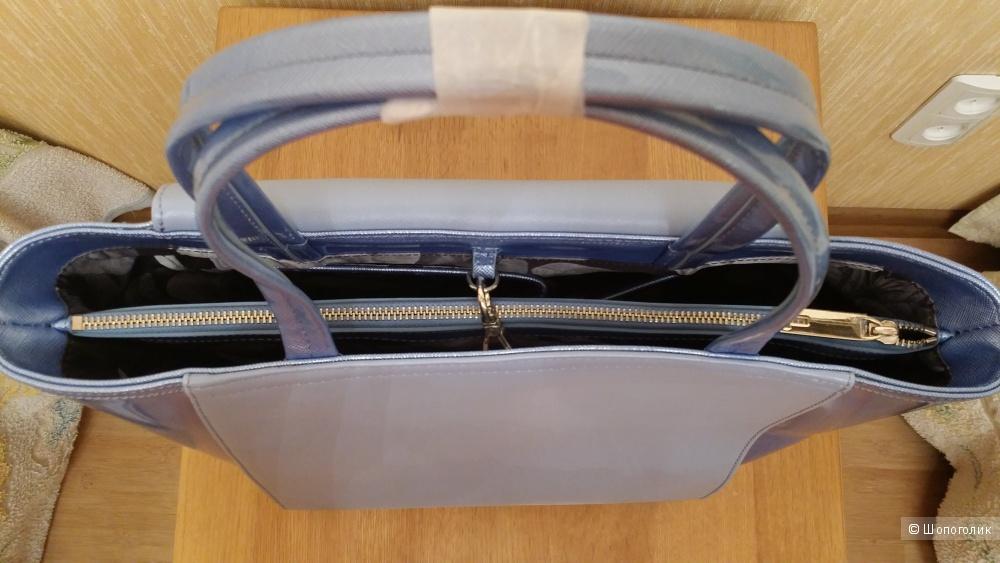 Голубая сумка с лакированной отделкой Ted Baker новая