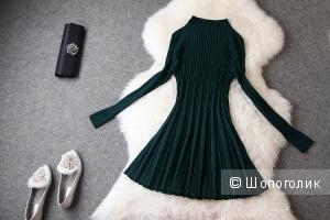 Зеленое платье-лапша