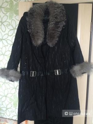 Новое качественное женское пальто (может быть и зимним, и демисезонным)