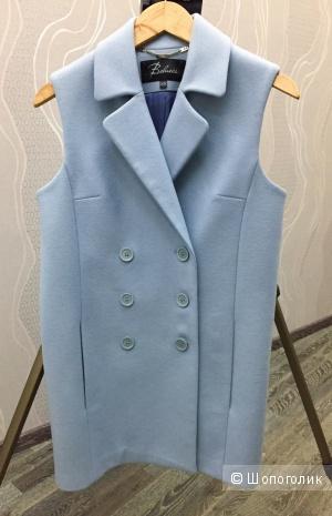 Жилет-пальто от российского бренда Belucci шерстяной