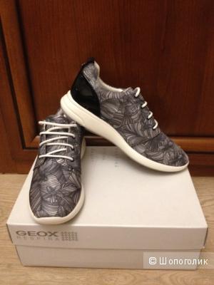 Пристрою кроссовки Geox