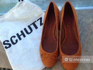 Новые туфли из нубука на низком каблуке SCHUTZ 39 размер