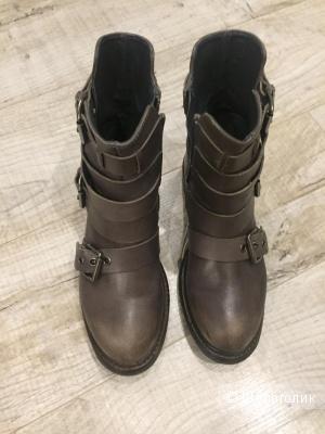 Продам Кожаные ботинки новые 37 размер