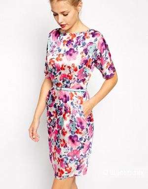 Платье-виггл с цветочным принтом ASOS