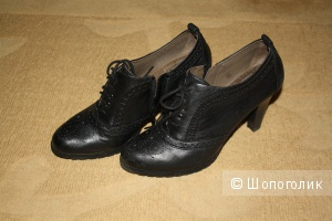 Демисезонные ботинки Caprice на росс. 40 размер
