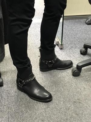 Стильные Ботинки frye 38 размер застежка сзади.