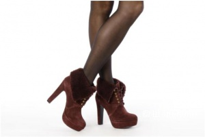 Новые в коробке ботинки Pour La Victoire 8us цвета марсала