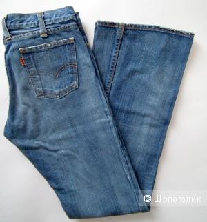 Levis женские джинсы 26/32 б/у
