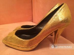 Туфли Pinko 36 размер золотистые новые