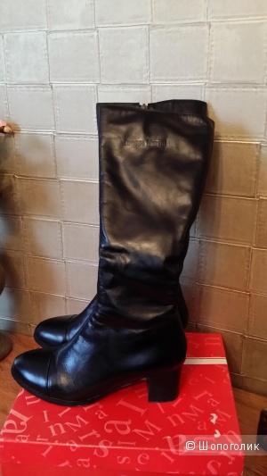 Зимние кожаные сапоги с натуральным мехом Inessa MARINI 39 размер
