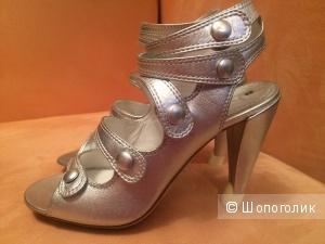 Босоножки Celine 36 размер серебряные новые оригинал