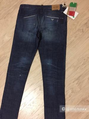 Джинсы новые Armani Jeans,женские,размер 29,оригинал