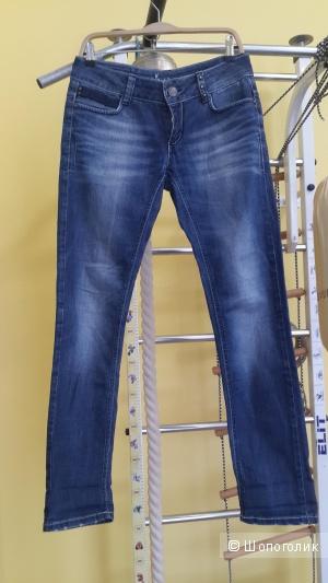 Классные джинсы Only размер 29(маломерят)