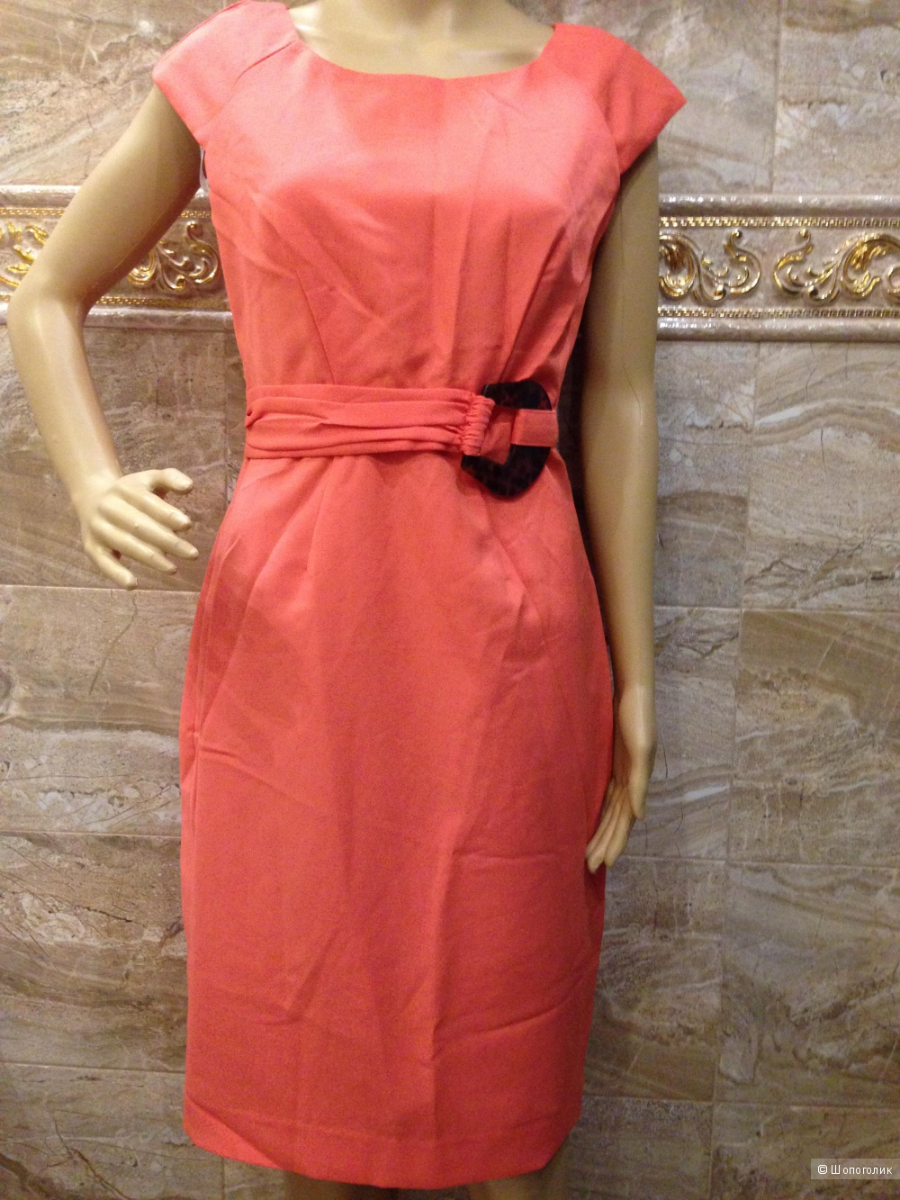 Ellen Tracy коралловое платье от дизайнера с брошкой под янтарь р.44-46 Новое