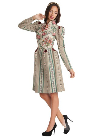 Продам новое оригинальное дизайнерское платье от Ксении Князевой.
