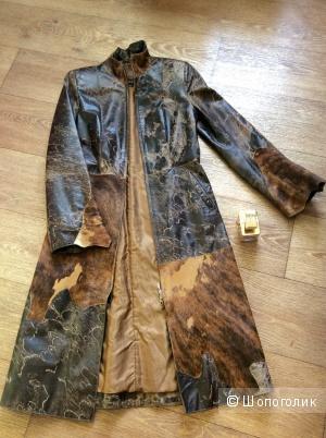 Шикарное фирменное кожаное пальто/плащ CALIANTI PELLE со вставками натурального, гладкого меха.