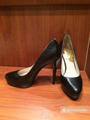 Элегантные черные туфли Michael Kors
