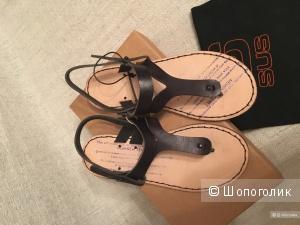 Новые кожаные сандали - вьетнамки EsseutEsse. 38 размер (на 37)