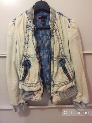 Куртка джинсовая Diesel, на утеплённой подкладке. Размер S.