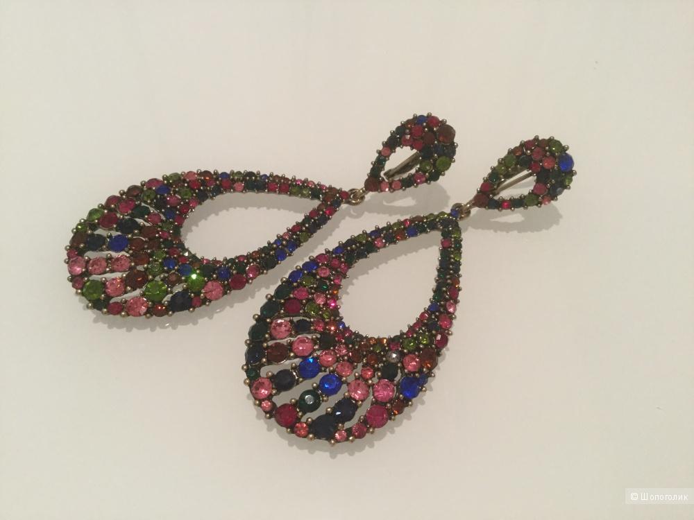 Яркие серьги с разноцветными камнями