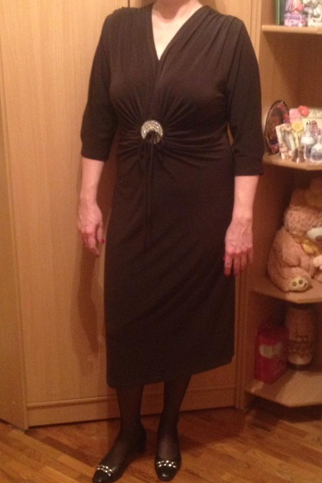 Нарядное новое платье AYPOLL 52-54 размеров шоколадного цвета