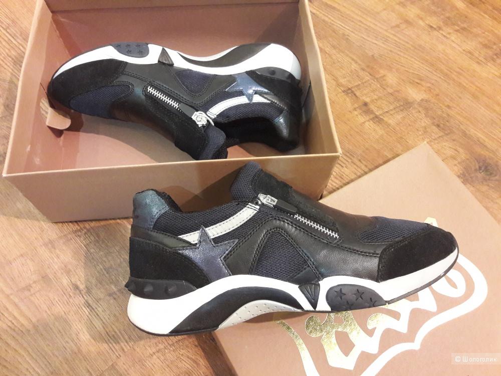 Безумно красивые кроссовки ASH  40 размер